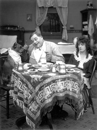 Mabel_Normand_in_Fatty_and_Mabel_Adrift